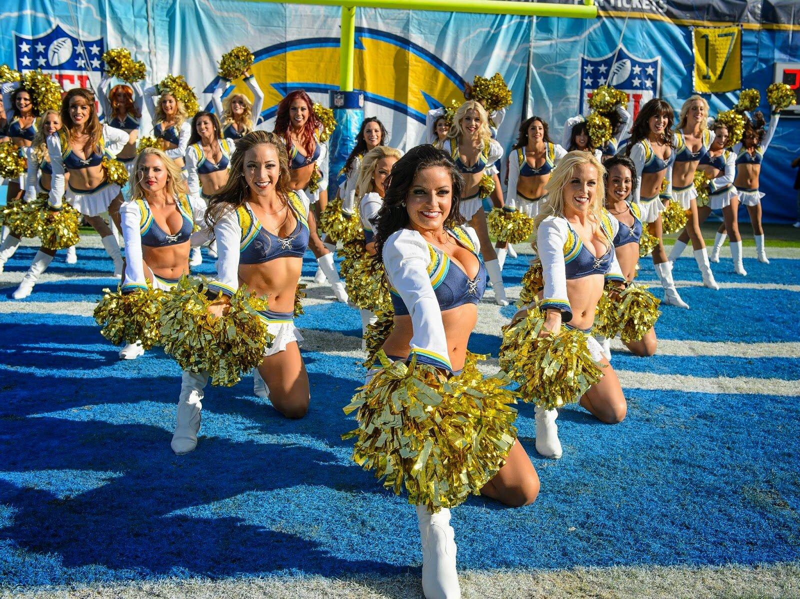chargers-girls-cheerleaders