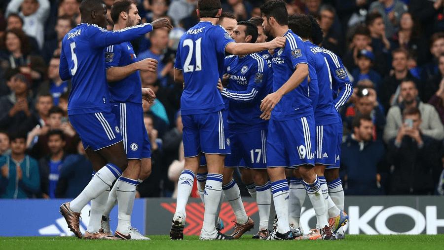 Chelsea-Goal-Huddle-2015-EPL-Odds-compressor