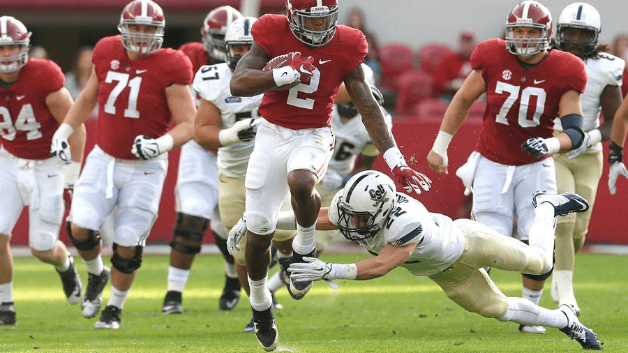 Derrick Henry can make or break a game in instants.