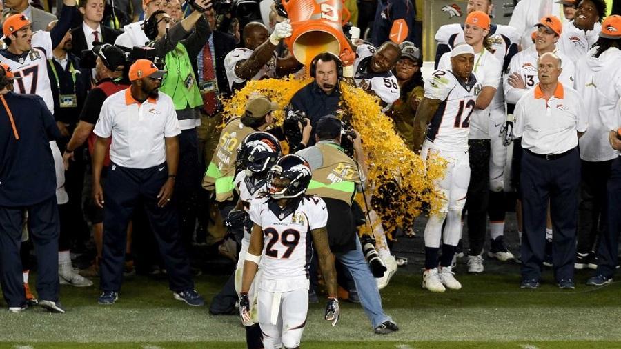 Super Bowl 50 Gatorade Shower