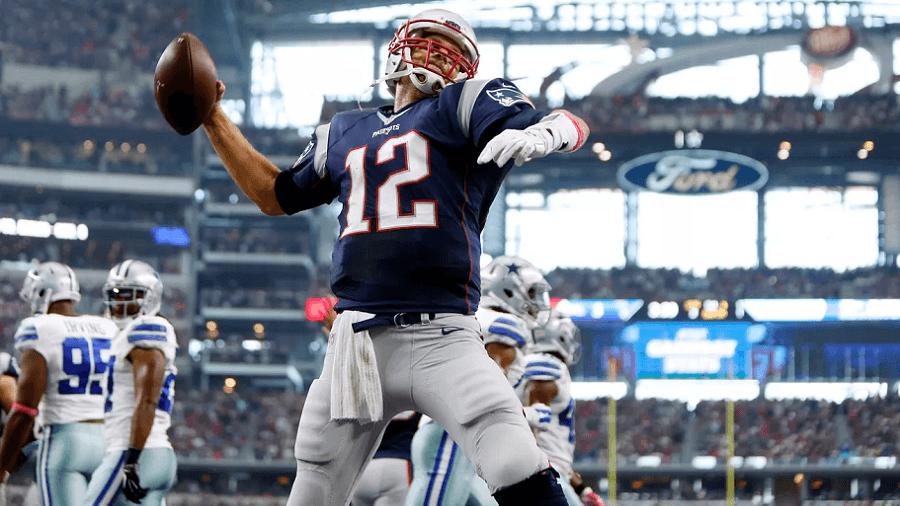Tom Brady Spiking vs the Colts