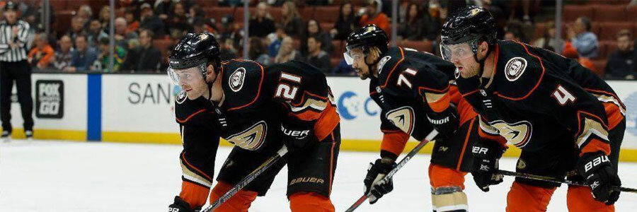 Ducks and Blackhawks Are Close in NHL Betting Lines for Thursday