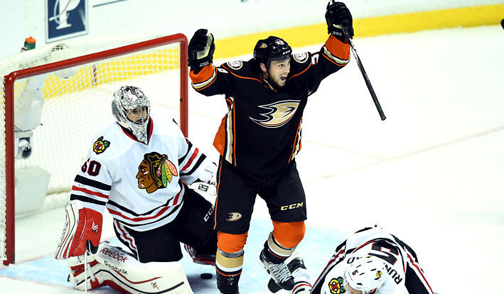 ducks-blackhawks-nhl-odds