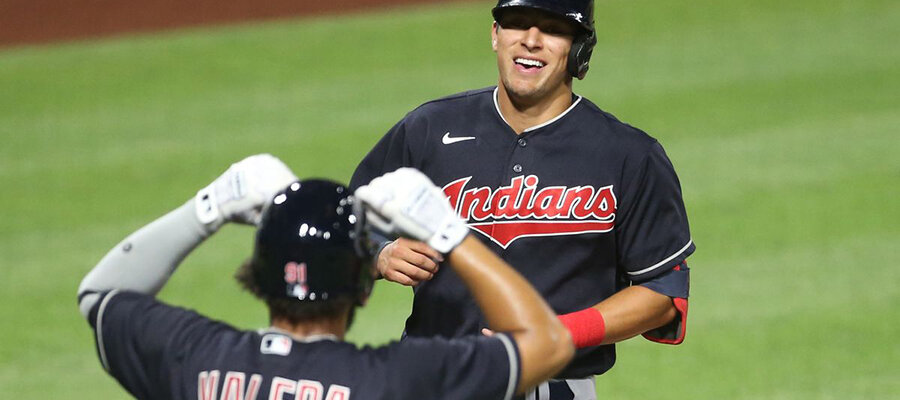 MLB Royals vs Indians